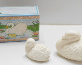 Vintage Avon Tender Love Soap Set (10) Two Swans