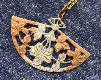 Vintage Inspired Pendant Necklace