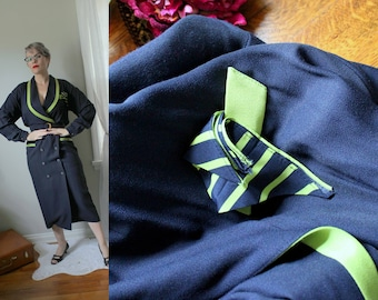 Sharp Dressed Woman Vintage Navy & Lime Coat Dress // V-Neck Blazer Style Dress with Attached Pocket Kerchief 1980's does the 1940s Size 8