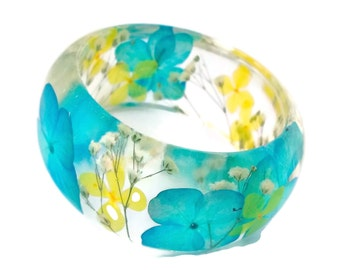 Size Large Blue and Yellow Hydrangea and White Baby's Breath Resin Bangle Bracelet - Hydrangea Cuff  -  Resin Bracelet