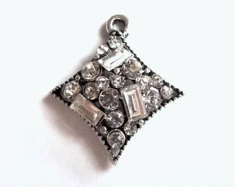 """2 Art Deco antique silver Rhombus pendants + transparent rhinestones 2.1 cm / 2 Art Deco rhombus pendants dark silver + clear crystals 0.79"""