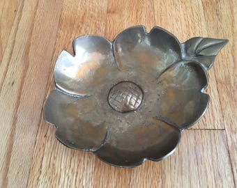 Vintage Mid Century Modern Solid Brass Dish/bowl/Flower to hold jewelry or soaps