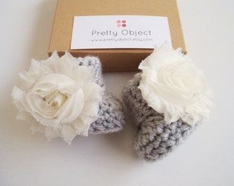 Crochet baby booties Gray Newborn girl shoes Baby girl booties Baby shower gift Newborn booties New baby gift Photo prop Baby girl shoes