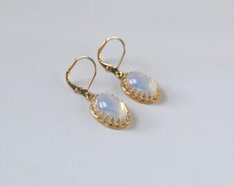 Vintage Glass Moonstone Earrings, Moonstone Jewelry, Opaline Earrings, Glass Opals, Moon Stone Earrings, Irridescent Earring, Regency Jewel
