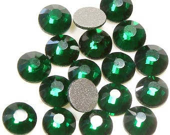 Round glass rhinestones 4.6 (mm), Emerald SKU012159 (20pcs)