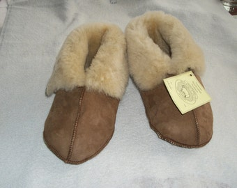 Genuine  Handcrafted LADIES Sheepskin Slippers....LADIES.Small. Medium.Large...NWT...