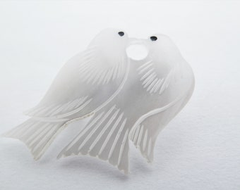 Vintage Mother of Pearl Kissing Love Birds or Peace Doves Brooch
