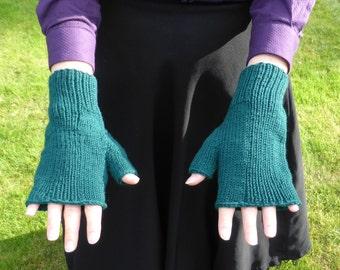 Green merino fingerless gloves / half-mitts