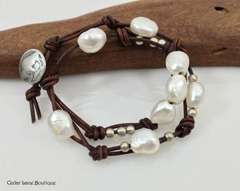 Knotted Pearl Leather Bracelet/Fresh Water Pearls/Boho Bracelet/Leather Cord Knotted/Boho Chic/Brown Leather/Beach Style Bracelet