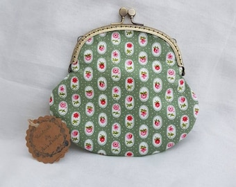 Large Sage Green and Floral Kiss Clasp Coin/Change Purse/Small Make Up Bag