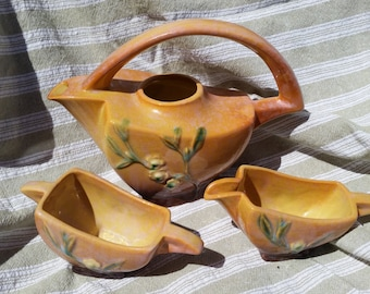 Roseville winecraft teapot and creamer and sugar