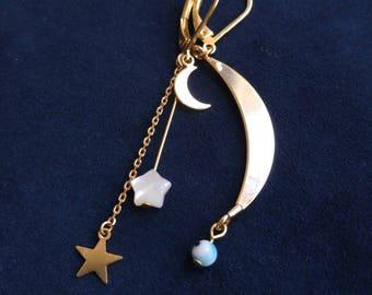 Asymmetrical half moon and stars earrings