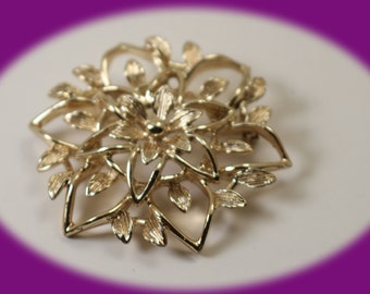 Vintage Sarah Coventry Gold Tone Leaf With a Flower Brooch Vintage Broocg Vintage Pin