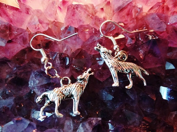 Wolf Sitting Standing Howling Native American Indian cub Howl at the moon full Silver Earring Earrings Drops Drop Pagan Wiccan Wicca Witch