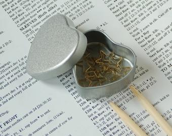 Heart stitch marker tin, notions tin, storage tin, knitting organisation, pill tin,