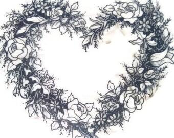 Fleurs et tampon cœur, monté en caoutchouc, couronne de fleurs en bois