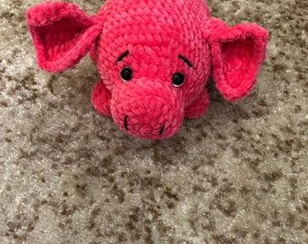 Crocheted piggy.plush pig.crocheted pig.soft piggy.Piggy Amigurumi.Knitted toy.handmade pig.a toy for a child.gift