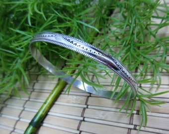 Silver Bangle Bracelet Embossed Native Indian Aztec Design Simple Small Narrow Thin 1/4 Inch Vintage FREE SHIPPING (790)