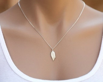 Stelring silver or 14k Gold filled Feather Necklace,layering necklace,Fall Wedding,Bridesmaid gifts,Wedding,Birthday gift,Everyday jewelry