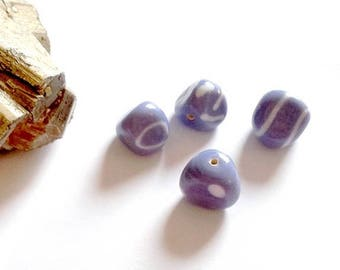 LAST SET! Set of 4 beads 4 different, mauve and white patterns - triangular, vm5