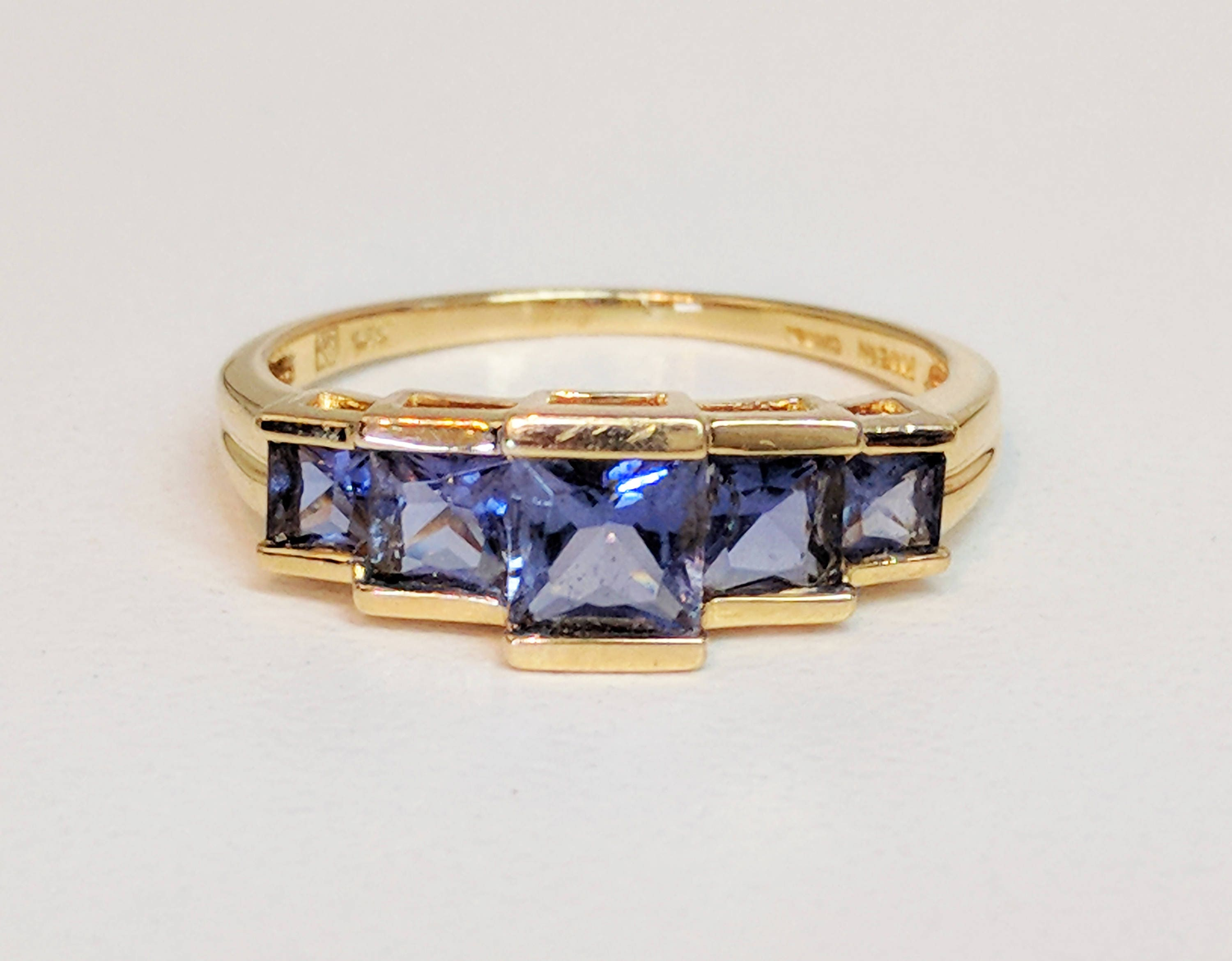 with l white princess tanzanite diamond center gold stone ring grams cut