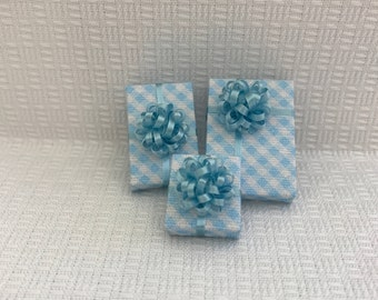 Little Blue Check Packages