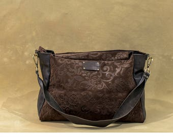 Large flower-printed leather and flower bag with removable shoulder strap