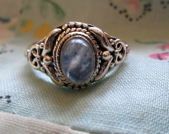 RING -  MOONSTONE - ORNATE  - 925 - Sterling Silver - size 7  moonstone 439
