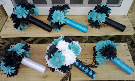 Daisy Bouquet Black White Turquoise Malibu Blue 15 Piece