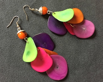 Pair earrings handcrafted tagua petailes + Acai seed macrame / Indian Amazon, eco-friendly, renewable, Africa, hippie