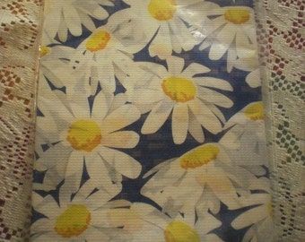 Party House Daisy Paper Table Cloth 54X96 inches