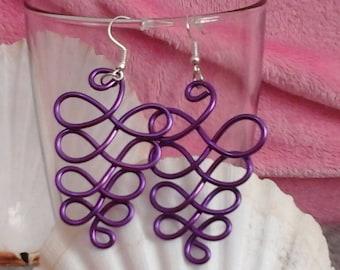 Grapefruits in Lilac Purple 2mm aluminum wire