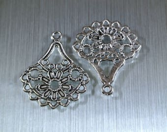 Set of 4 connectors on earrings silver patterns flowers, 33 x 28 x 2 mm, 9 possible holes for pendants, silver tone metal