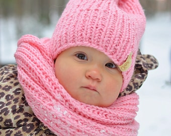Hand knitted toddler had and infinity scarf / pink color / purple color