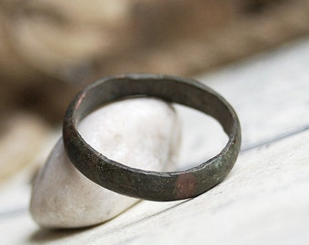 vintage ring found in a private dig... size 10...     x 306