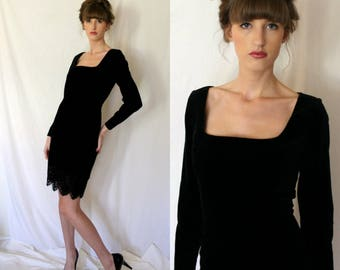 LBD - Romantic Little Black Velvet Dress - Emanuel Ungaro - Chantilly Lace -  Small - Vintage