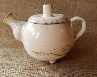 Beautiful tea pot white Crackle Raku