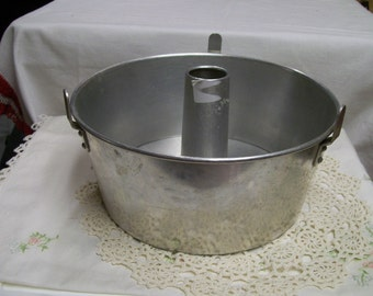 Angel Food Cake Pan, Vintage, Aluminum, 2pc Cake Pan, Round Cake Pan, Baking Pan, Home Made, Scratch Cake
