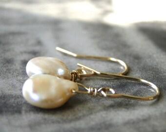 Artisan Jewelry / Freshwater Pearl Earrings / Accessories / 14k Gold  or Rose Gold Pearl Earrings / Wedding Earrings / Bridal Pearl Earrings