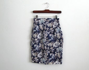 floral mini skirt - 80s vintage navy blue cream white tropical hawaiian print pencil high waisted bandage bodycon wiggle fit xs small