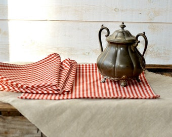 Cotton napkins RED Gingham Table Napkins set of 2 or 4 /xmas gift/ Rustic picnic napkins / wedding gift  / retro napkins / French Country