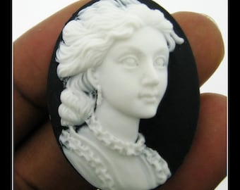 6 40 x 30mm White on Black Woman Portrait Cameos- CMT36