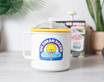 Donvier Chillfast 2 Pints Vintage Ice Cream Maker with Yellow Rim - Hand Crank Handmade Ice Cream