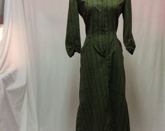 Early 1950's Tailored Daydress Needs Buttons