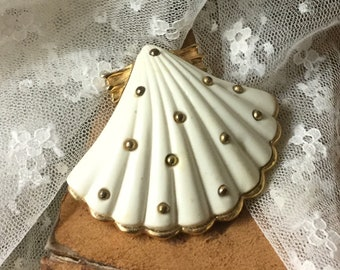 By The Sea Largish White Enamel Gold Tone Shell Brooch Pin Unsigned 1980's 1990's Gold Tone Ball Studded Feminine Woman Seashell Day Evening
