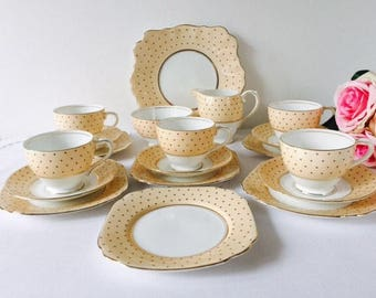 Bell China Spotty Peach Tea Set, 19 Pieces, Staffordshire, 1950s.