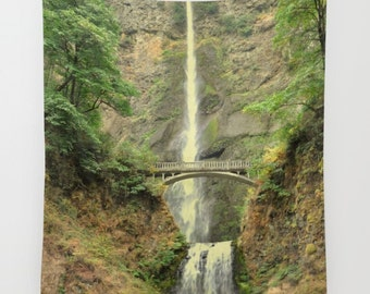 Waterfall Tapestry, Multnomah Falls Oregon Wall Hanging, Rustic Fall Wall Home Decor, Autumn Trees Tapestry, Columbia River Gorge Tapestry
