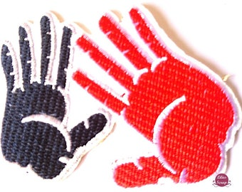 Fusible embroidered badge patch 7.5 x 7.5 cm hands hands
