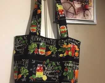 Love to Garden.  Are you a Garden Enthusist?  This tote is for you!