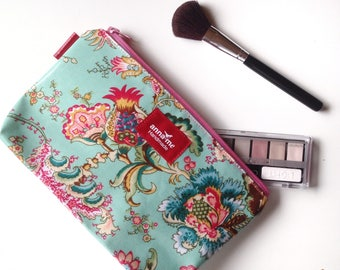 Pretty Make-up Pouch, Cosmetics Travel Bag, Soft Floral Print, Gift for Wife, Christmas Gift Idea, Make-up Lover Gift Cosmetics Bag Makeup